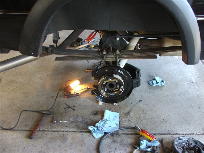 How To Replace Emergency Brake Shoes On Ford Explorer ...